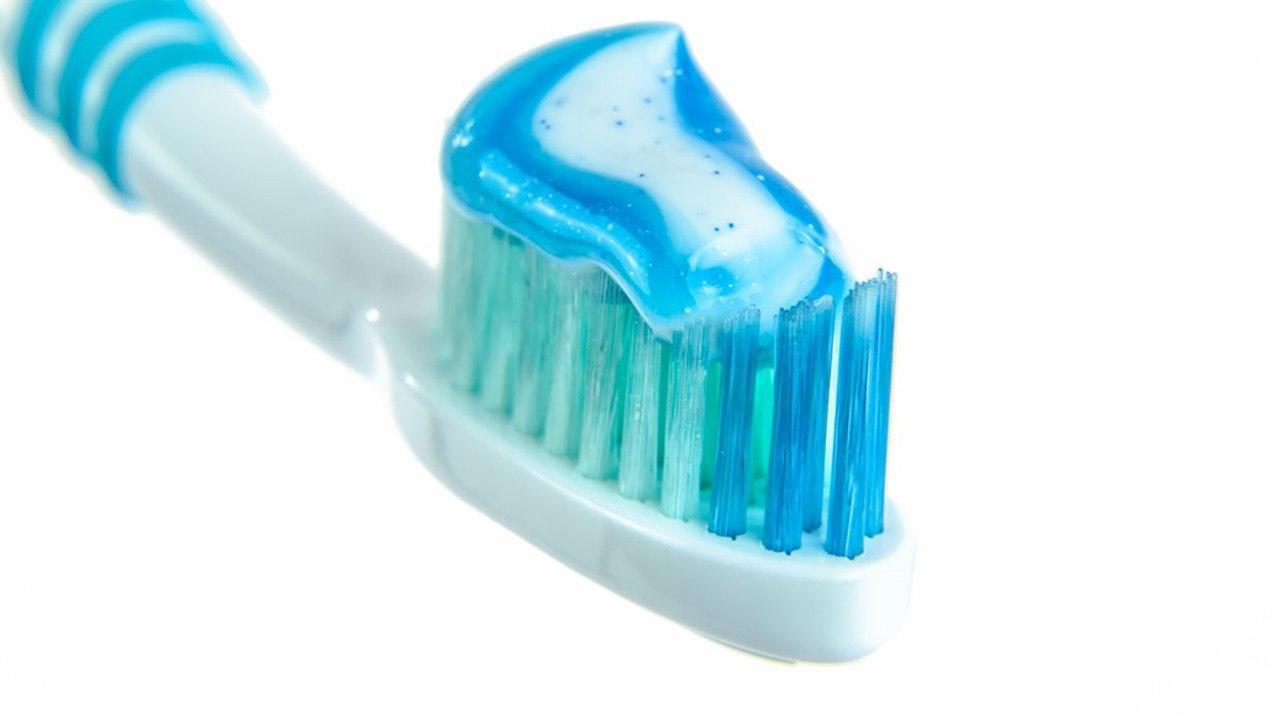 Обратная сторона «голливудской улыбки»: безопасно ли отбеливание зубов?