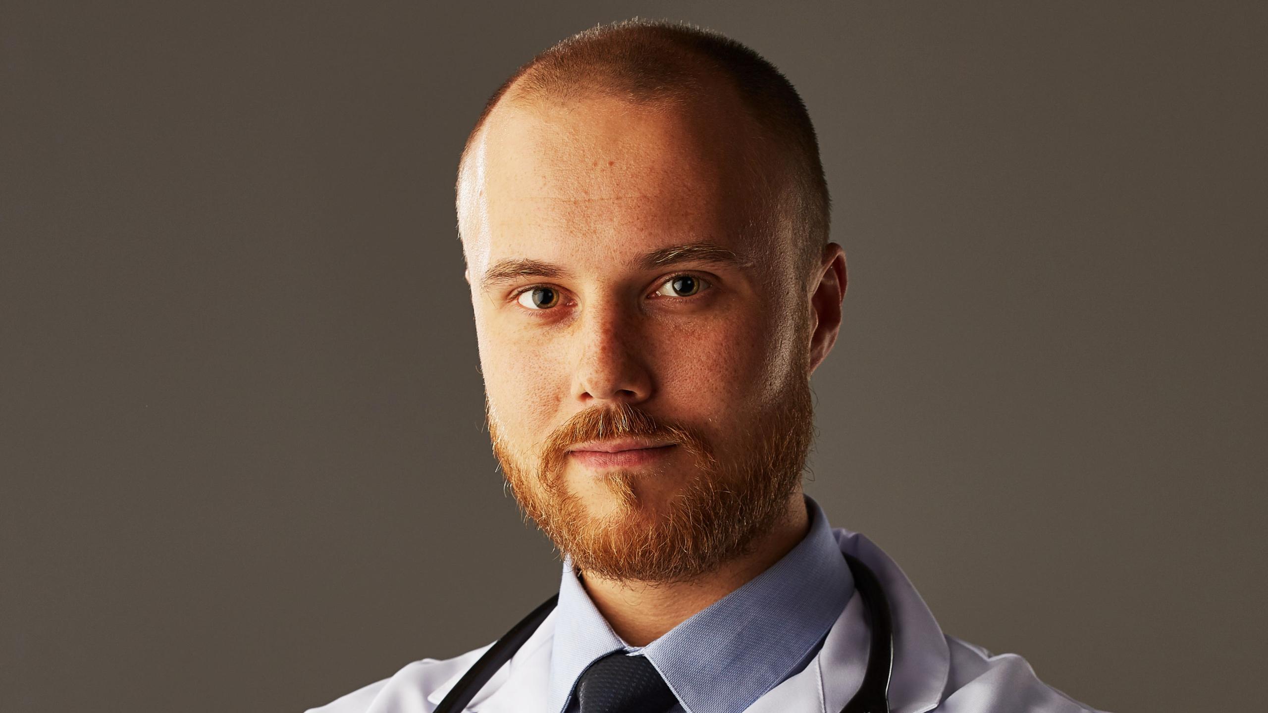 «Если врач назначил гомеопатию, бегите» – доктор Фил о критериях выбора специалиста
