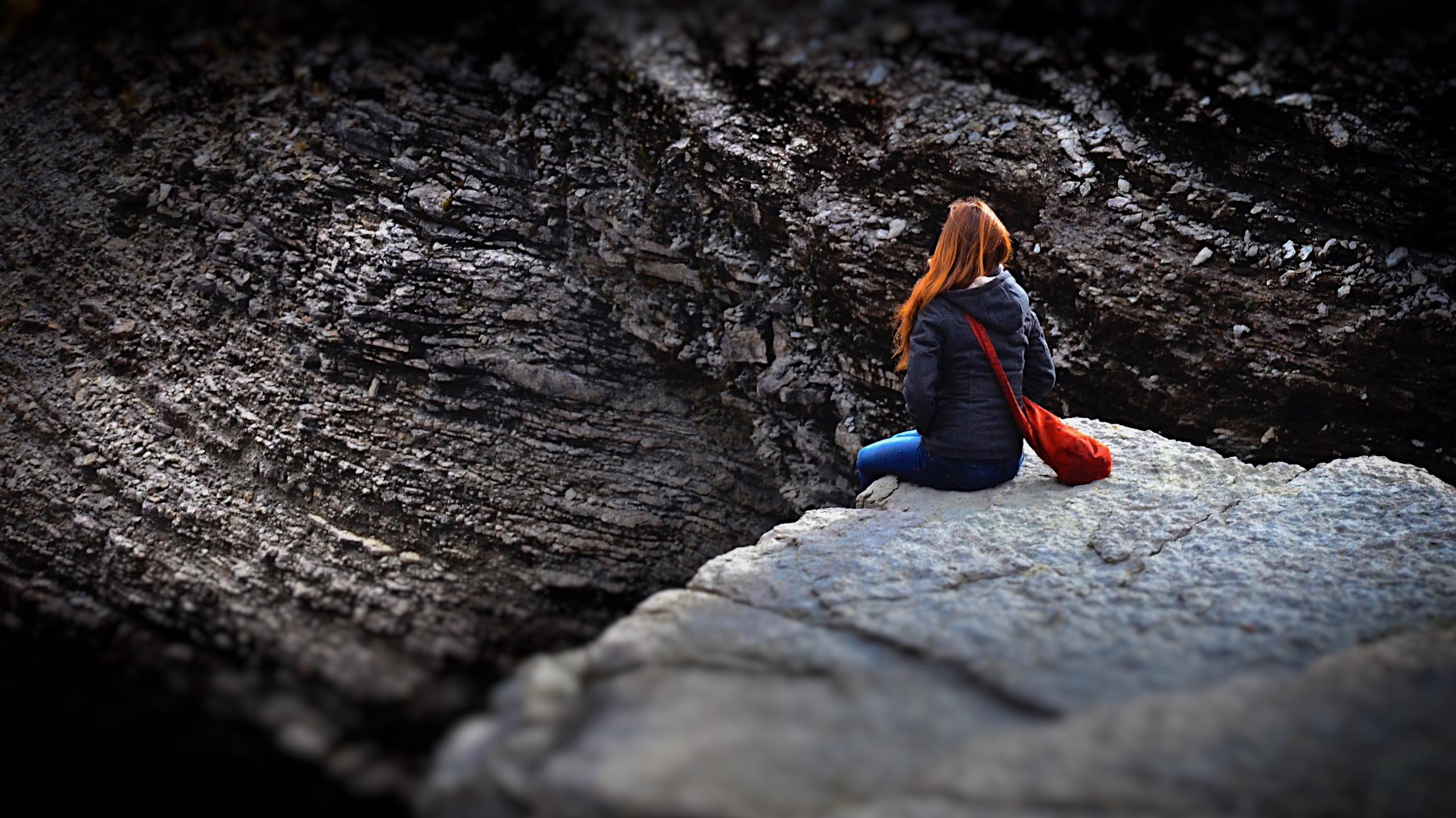 Прыжок в бездну: как уберечь близких людей от суицида?