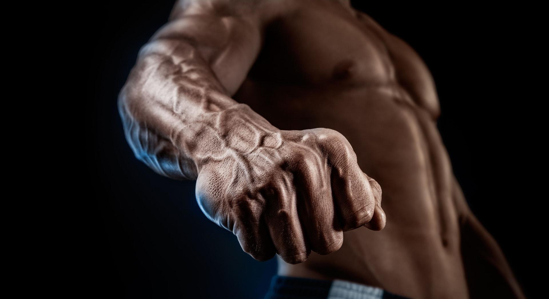 В прошлом веке эволюция была благосклонна к людям с сильными кистями рук