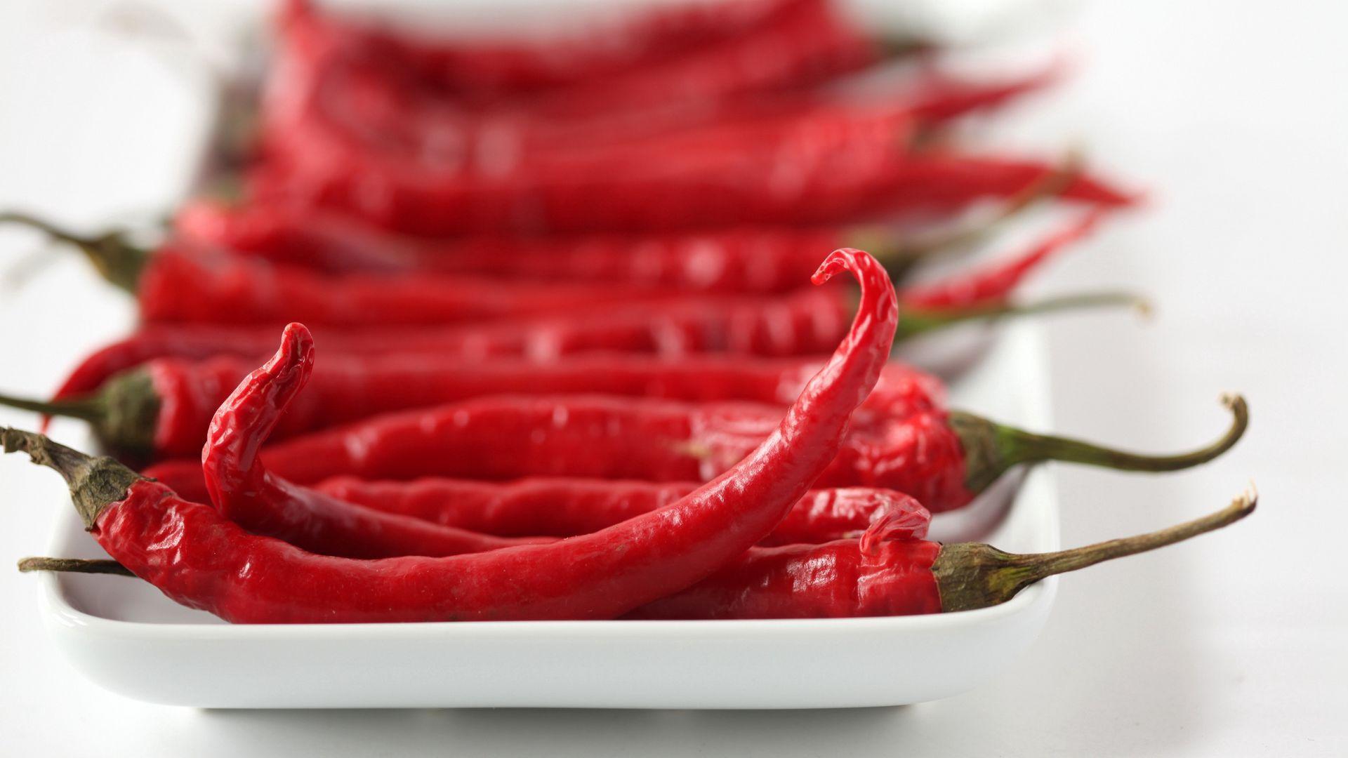 Любители красного острого перца реже умирают от рака и болезней сердца