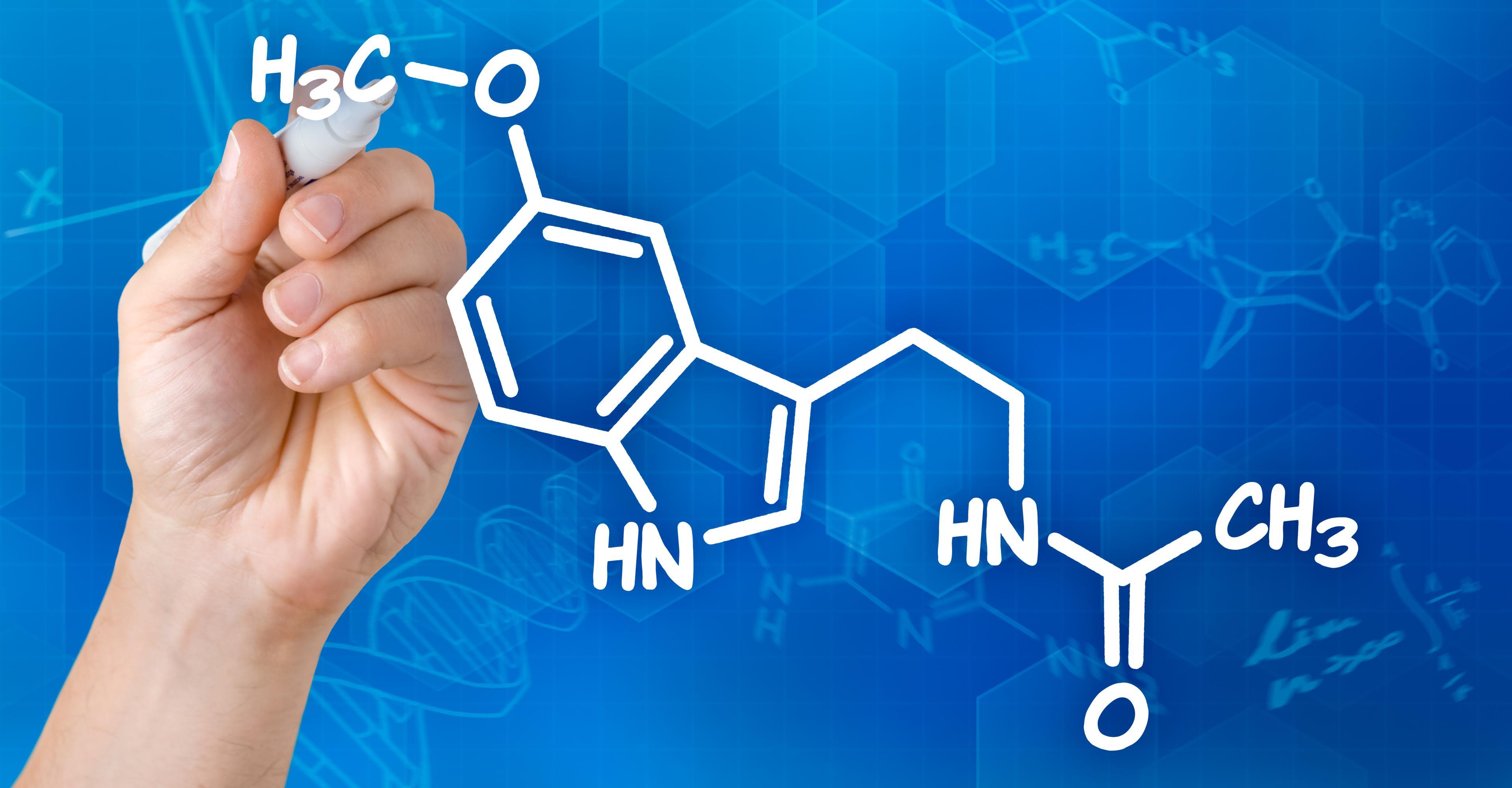 Мелатонин улучшает сон. Но как?