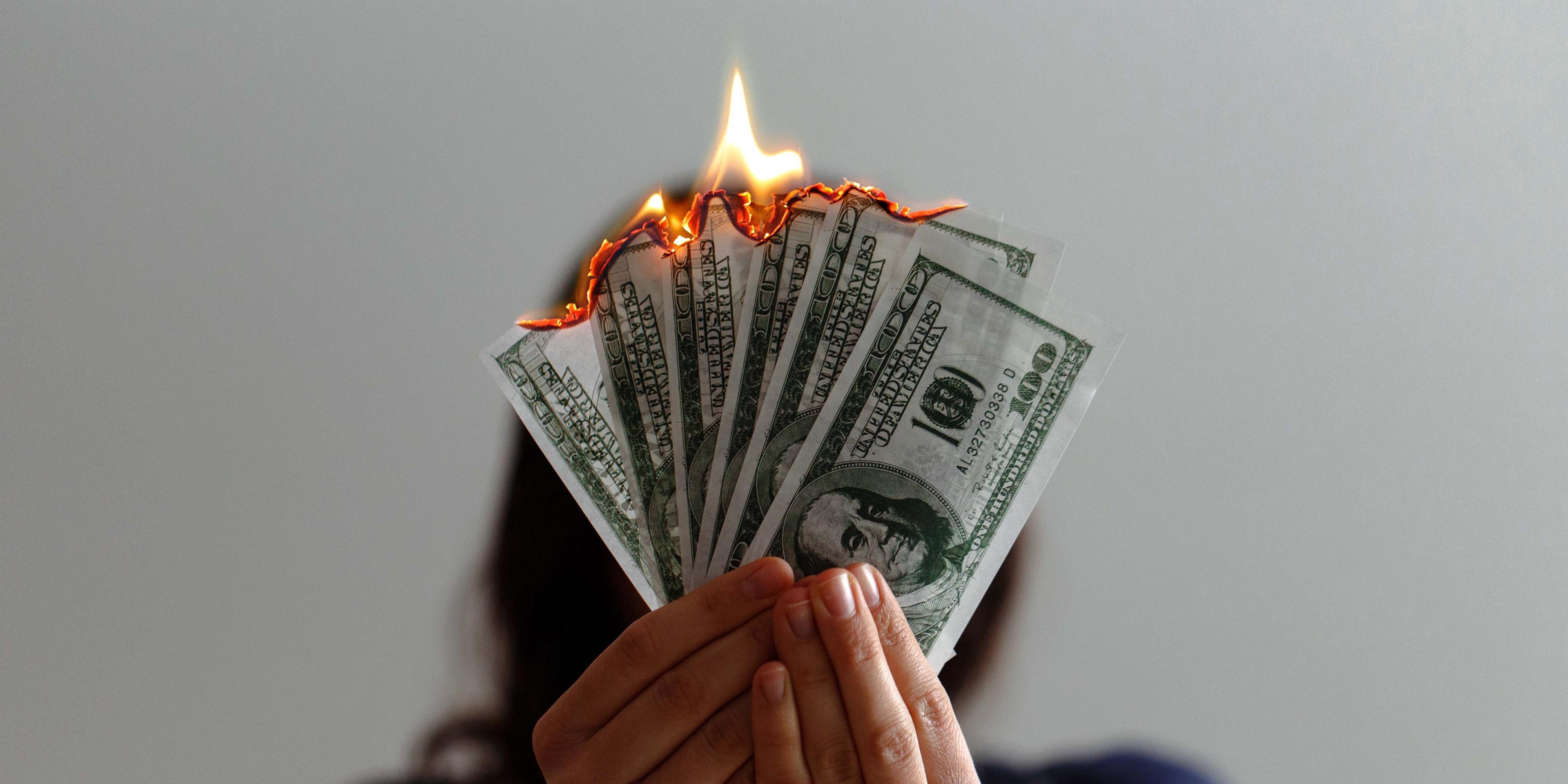 Многократная потеря денег вызывает пластические изменения в мозге