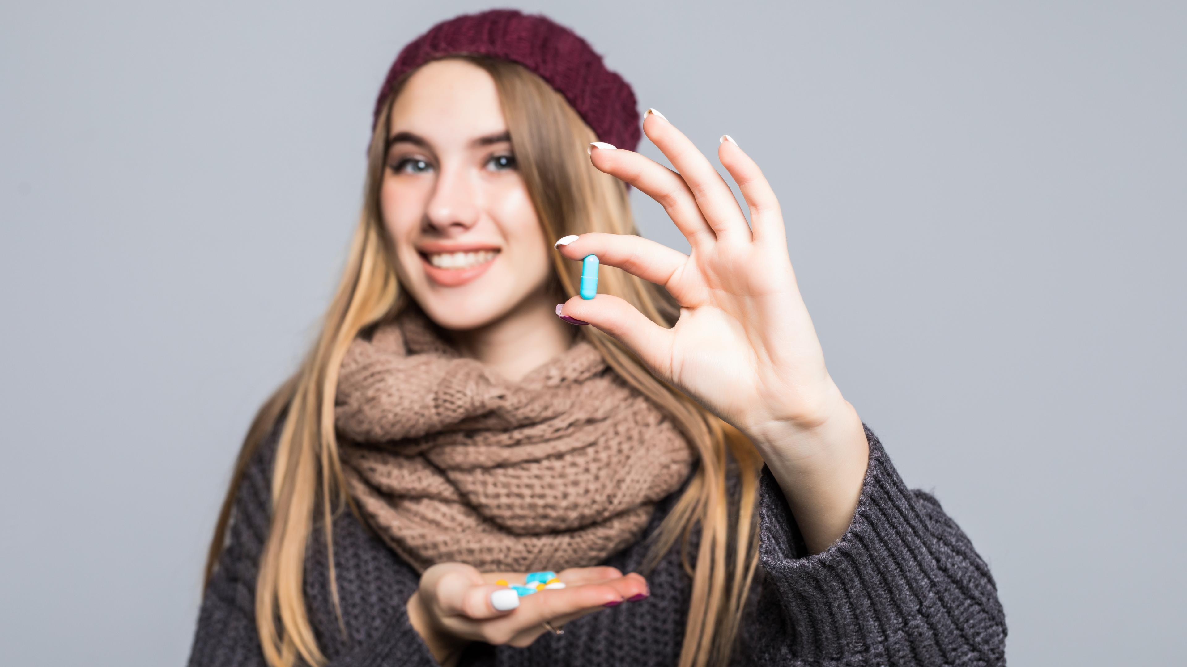 Прием биодобавок связали с пониженным риском заражения SARS-Cov-2 у женщин