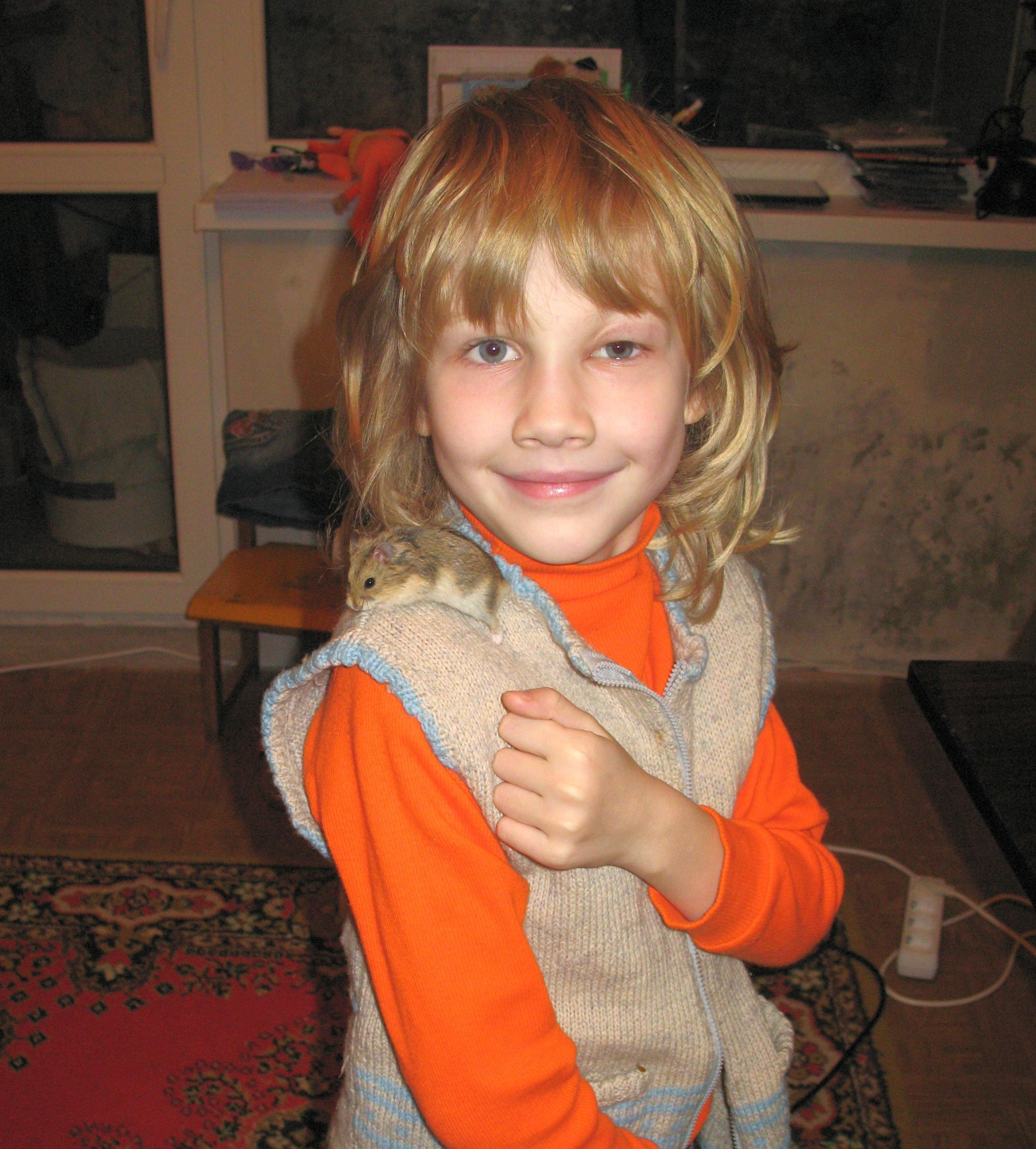 «Мама, не плачь! Только не плачь!..» Девушка 18 лет страдает от лимфангиомы! Помогите ее вылечить!