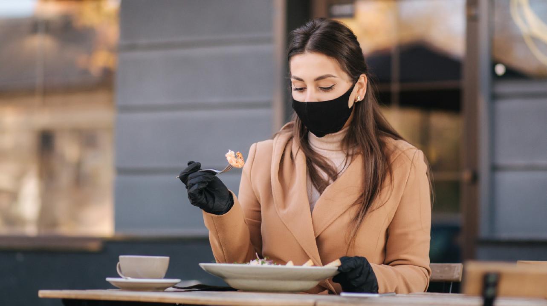Люди с некоторыми заболеваниями желудка могут заражаться SARS-Cov-2 через пищу