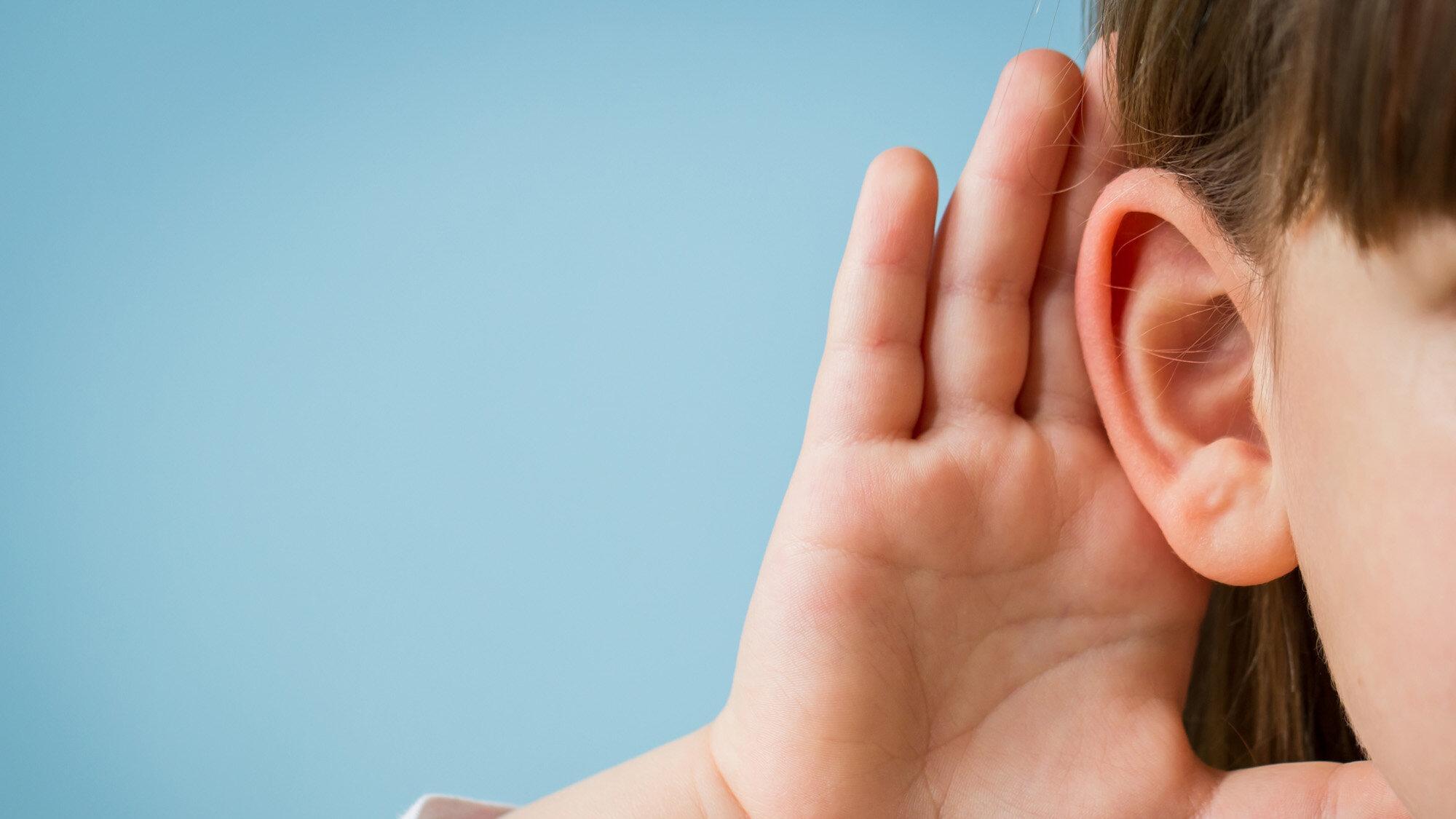Эксперимент показал, что при восприятии эмоций дети полагаются на слух, а не на зрение