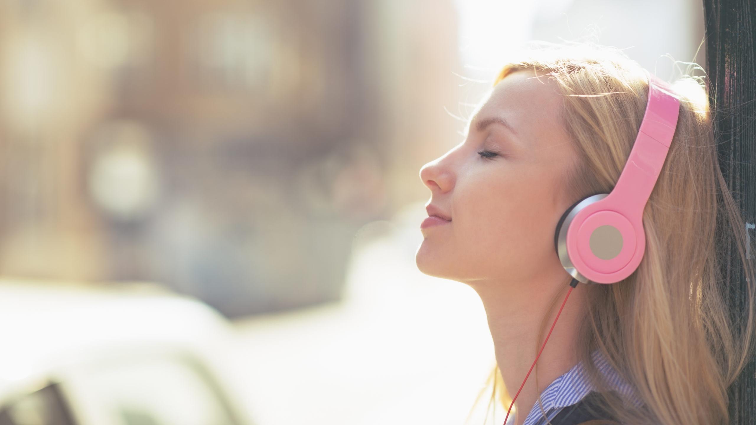 Как мозг соединяет две звуковые дорожки в одну