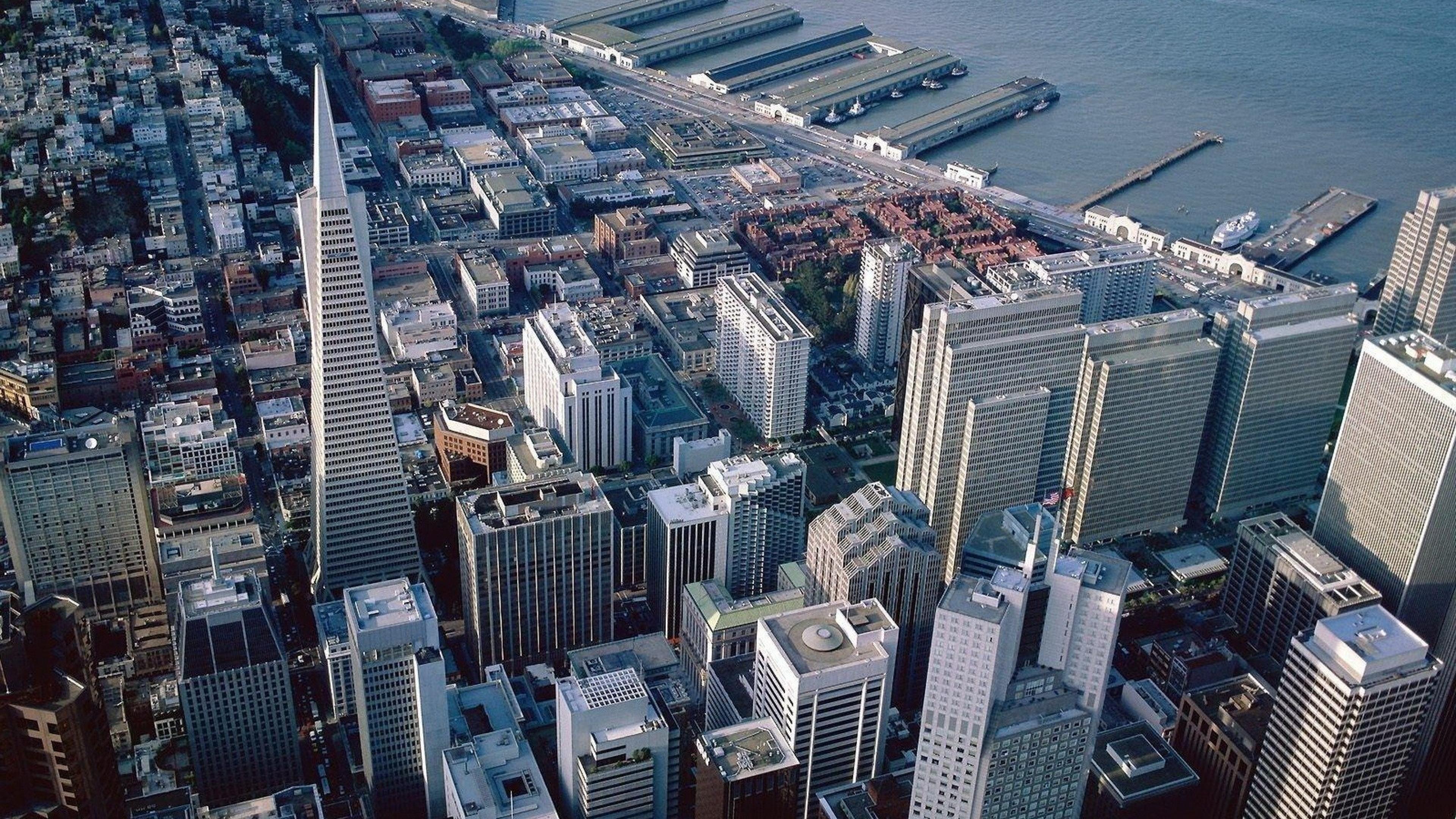 Тяжесть мегаполисов вызывает понижение уровня суши