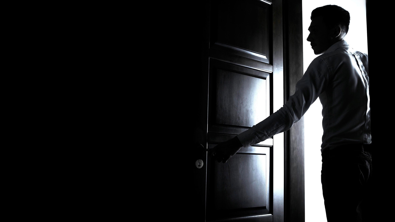 Ученые объяснили, почему возникает «эффект дверного проема»