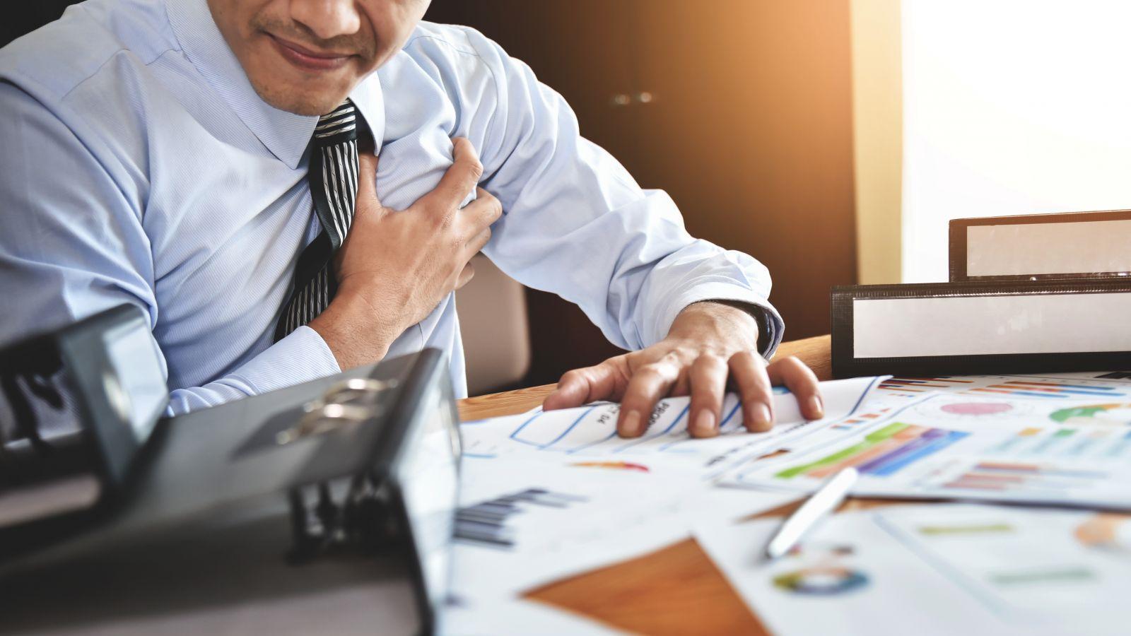 Кто много работает, чаще зарабатывает повторный инфаркт