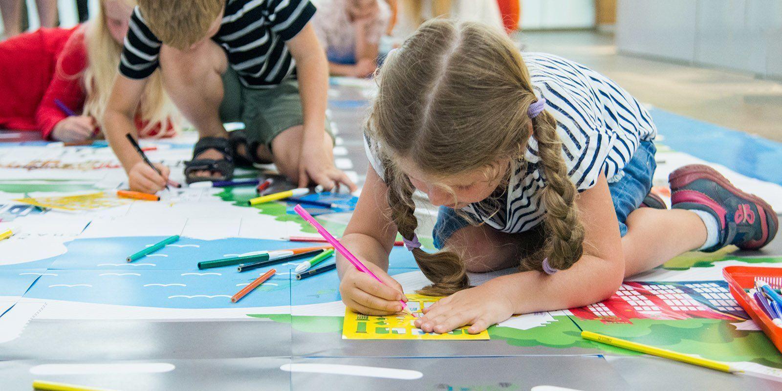 Загадки, басни и диафильмы: как совместить обучение с досугом для детей