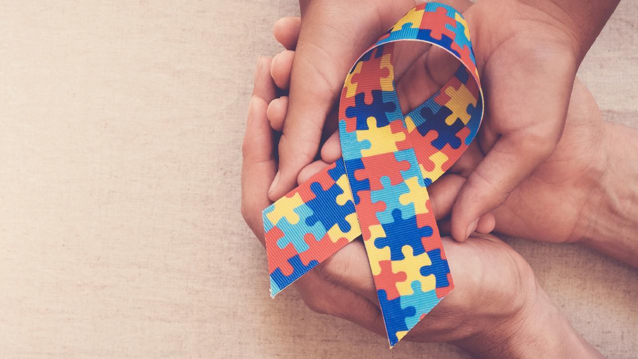 «Человек дождя»: 5 важных фактов о расстройствах аутистического спектра