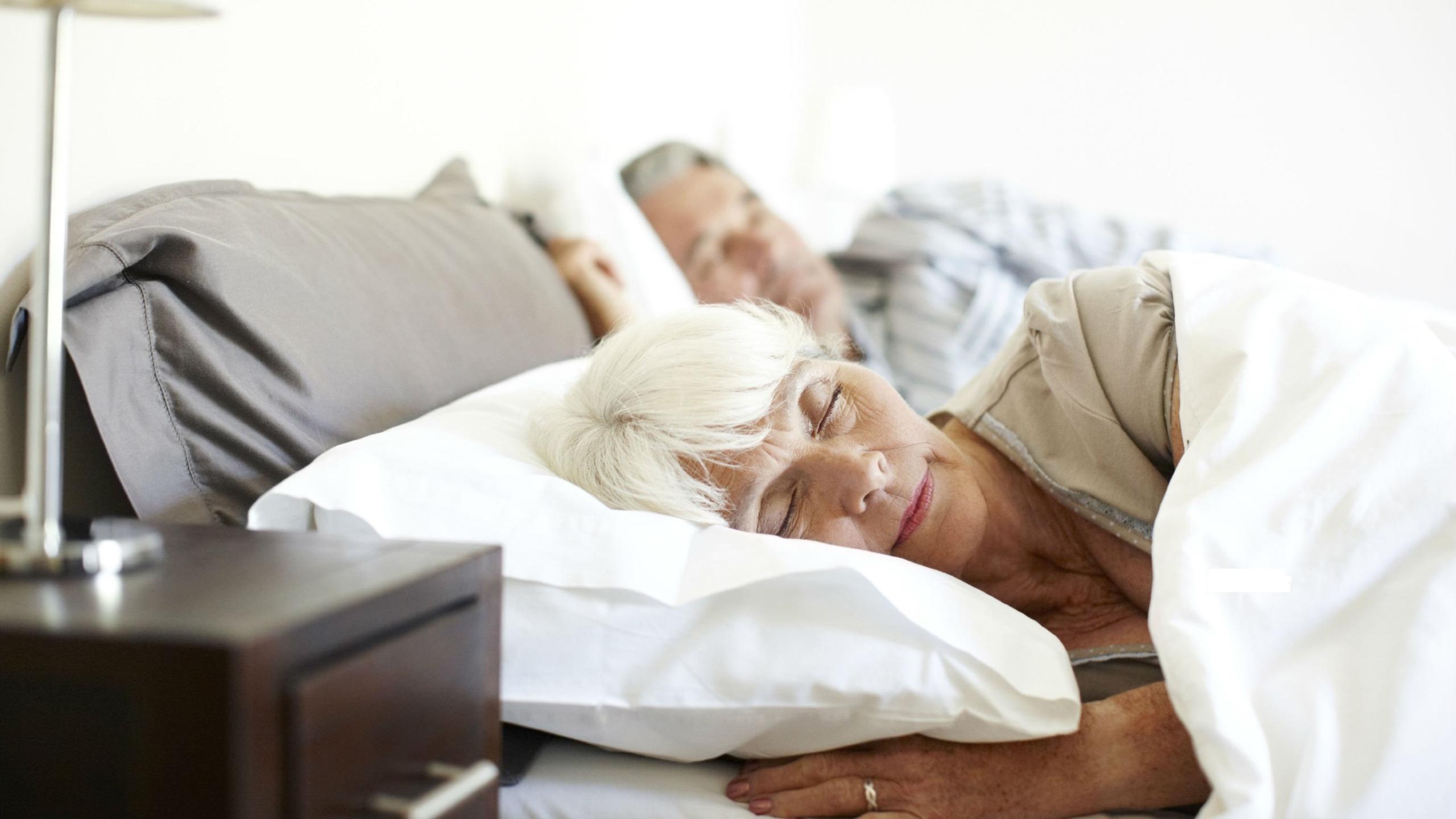 «Колыбельные» мелодии помогают пожилым людям справляться с бессонницей