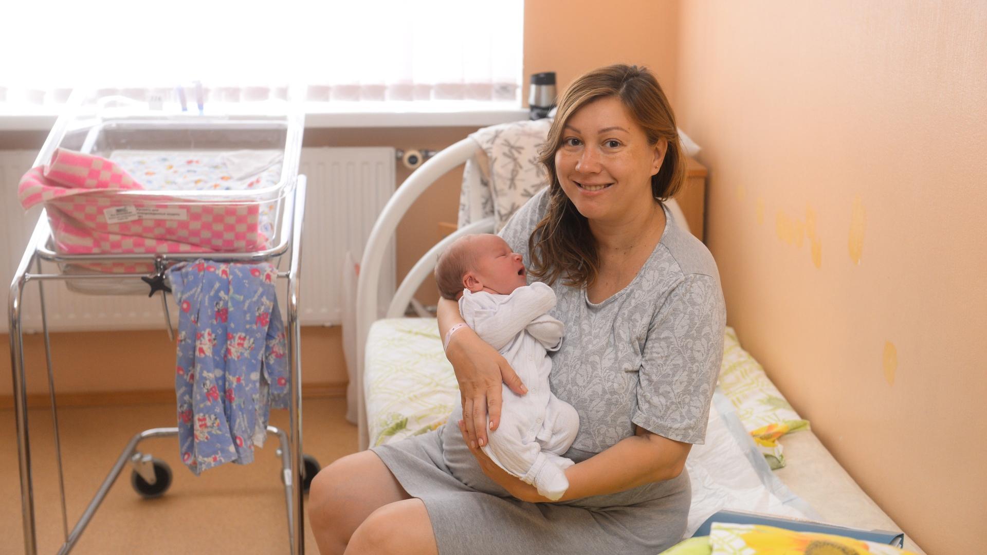 Передача SARS-Cov-2 через плаценту вероятнее всего происходит на ранних сроках беременности