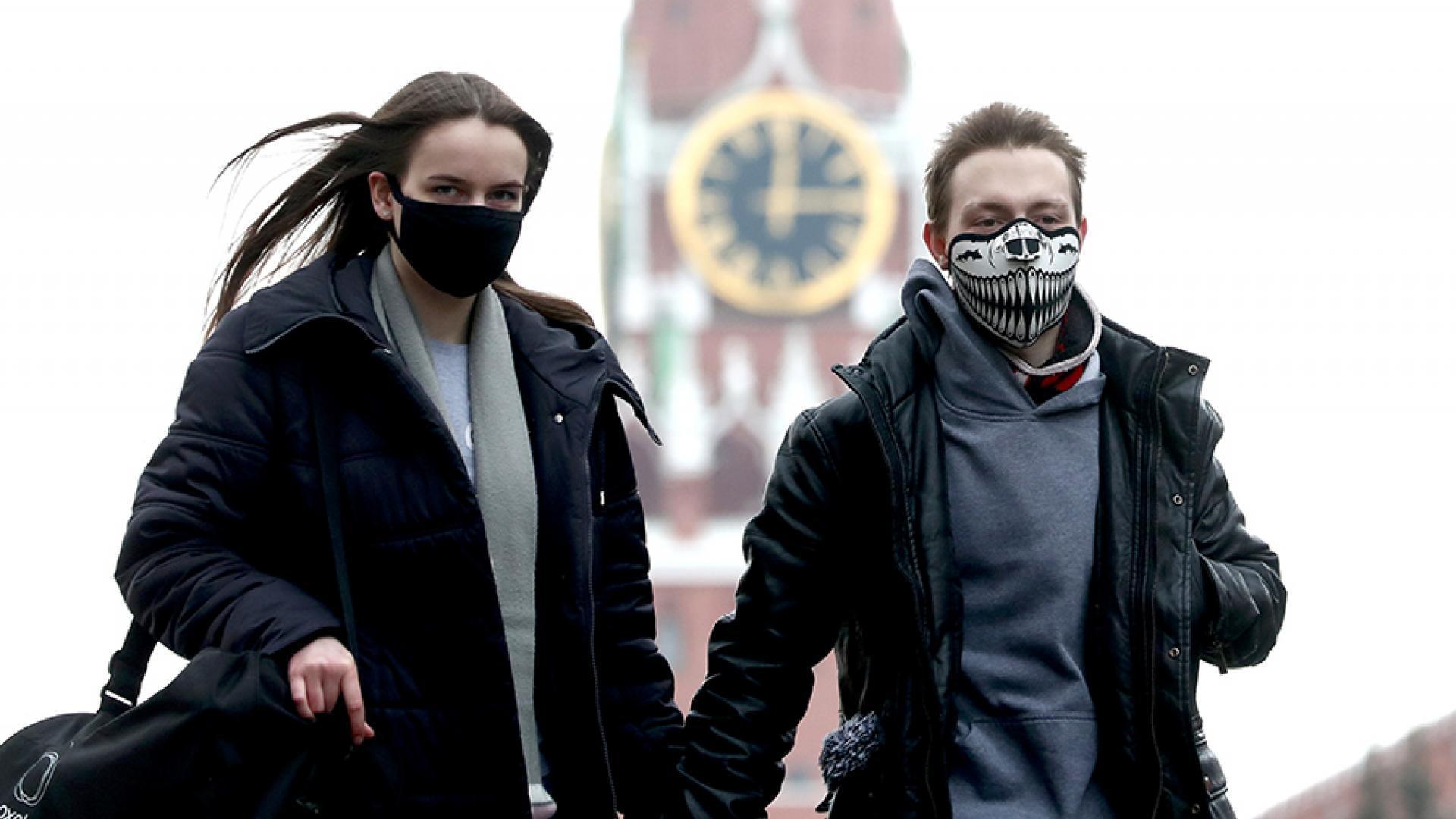 В России выделили минимум три новых варианта коронавируса