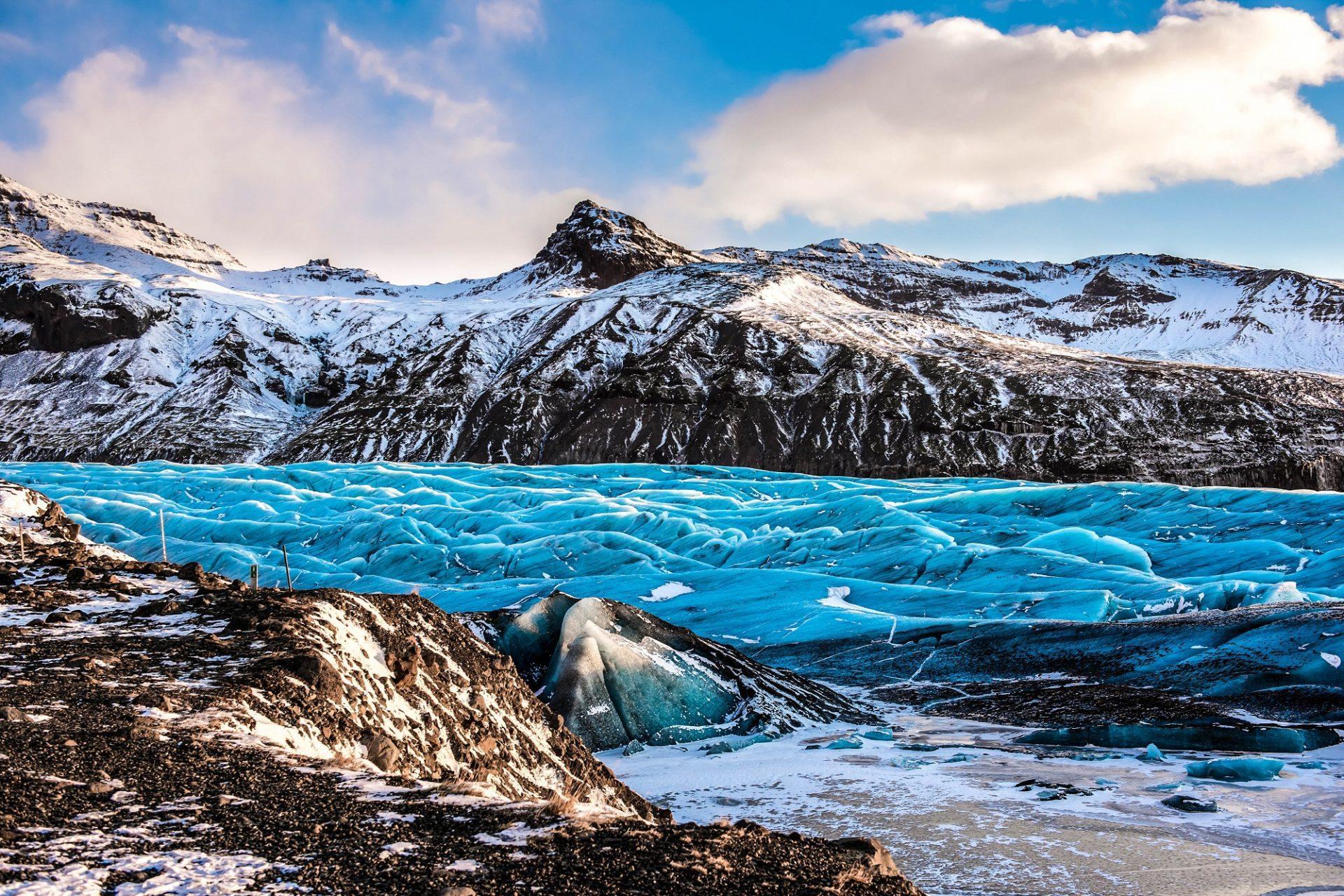 В самой большой «ледяной шапке» Европы впервые нашли микропластик
