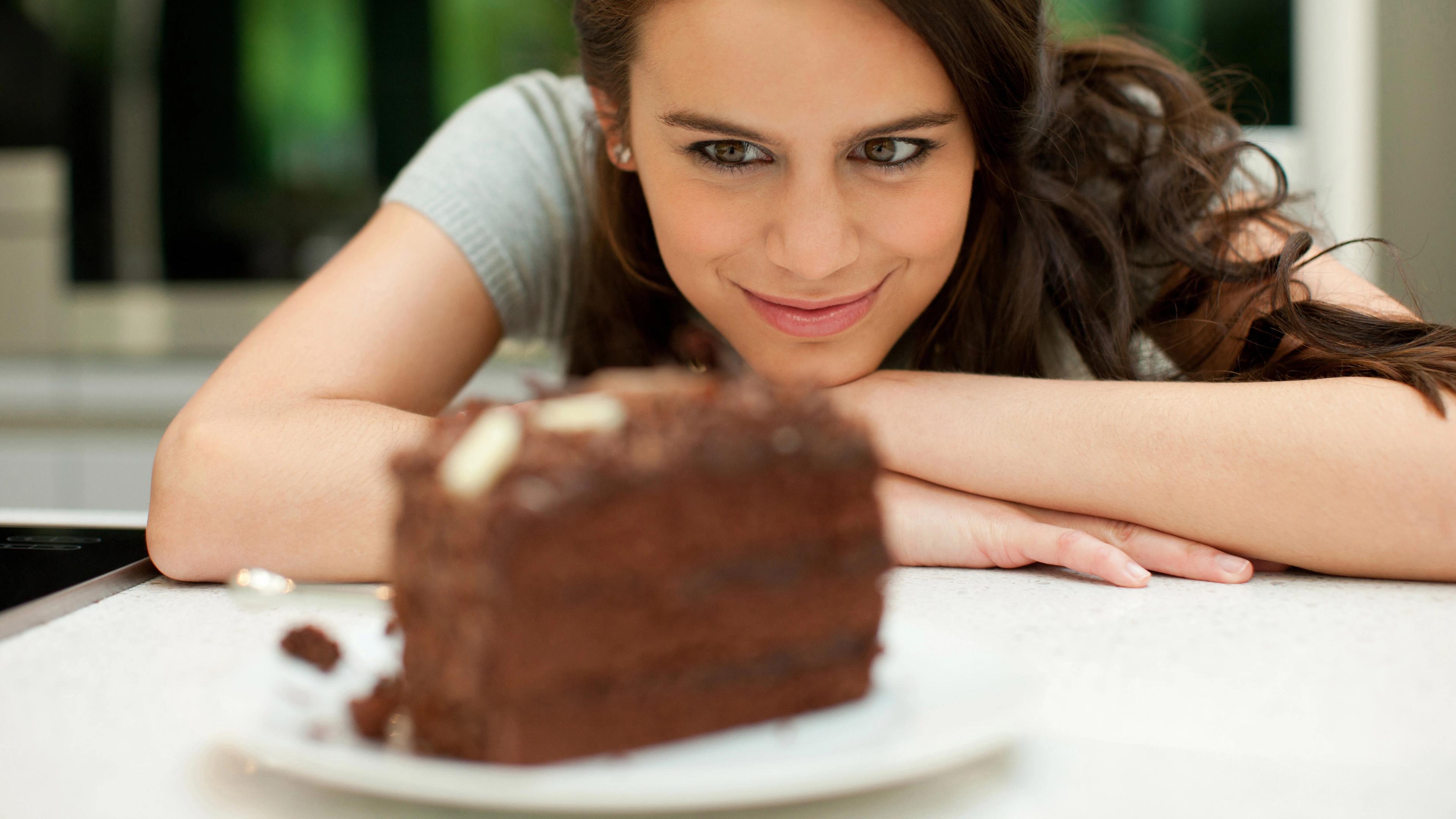 Время употребления шоколада повлияло на метаболизм женщин
