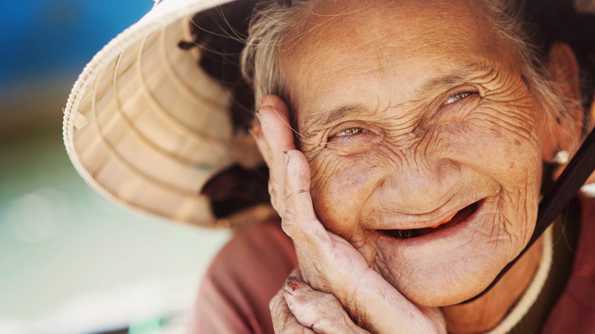Чем меньше зубов, тем хуже соображаешь в старости