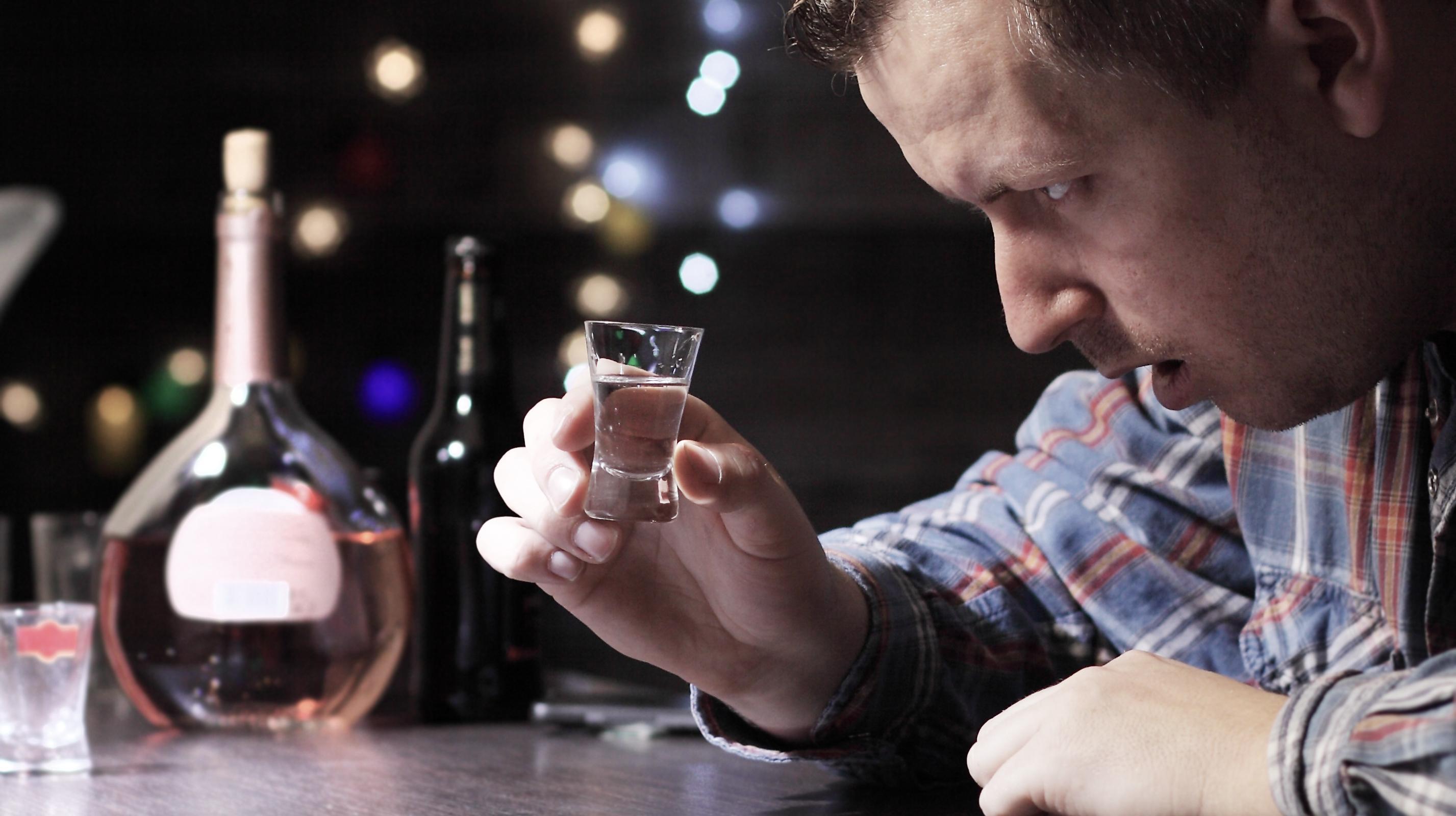 Употребление алкоголя связали с 741300 случаями рака во всем мире в 2020 году