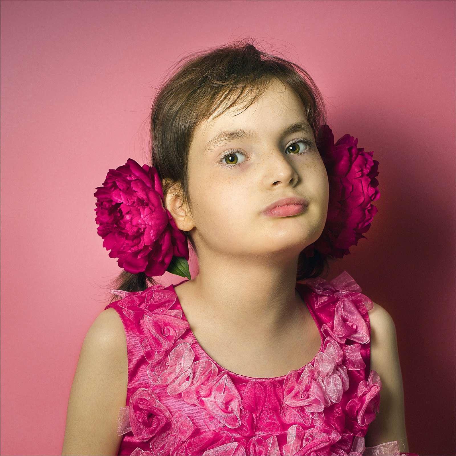 «РЕТТкая» Даша: 11-летней минчанке с тяжелым заболеванием нужна наша помощь