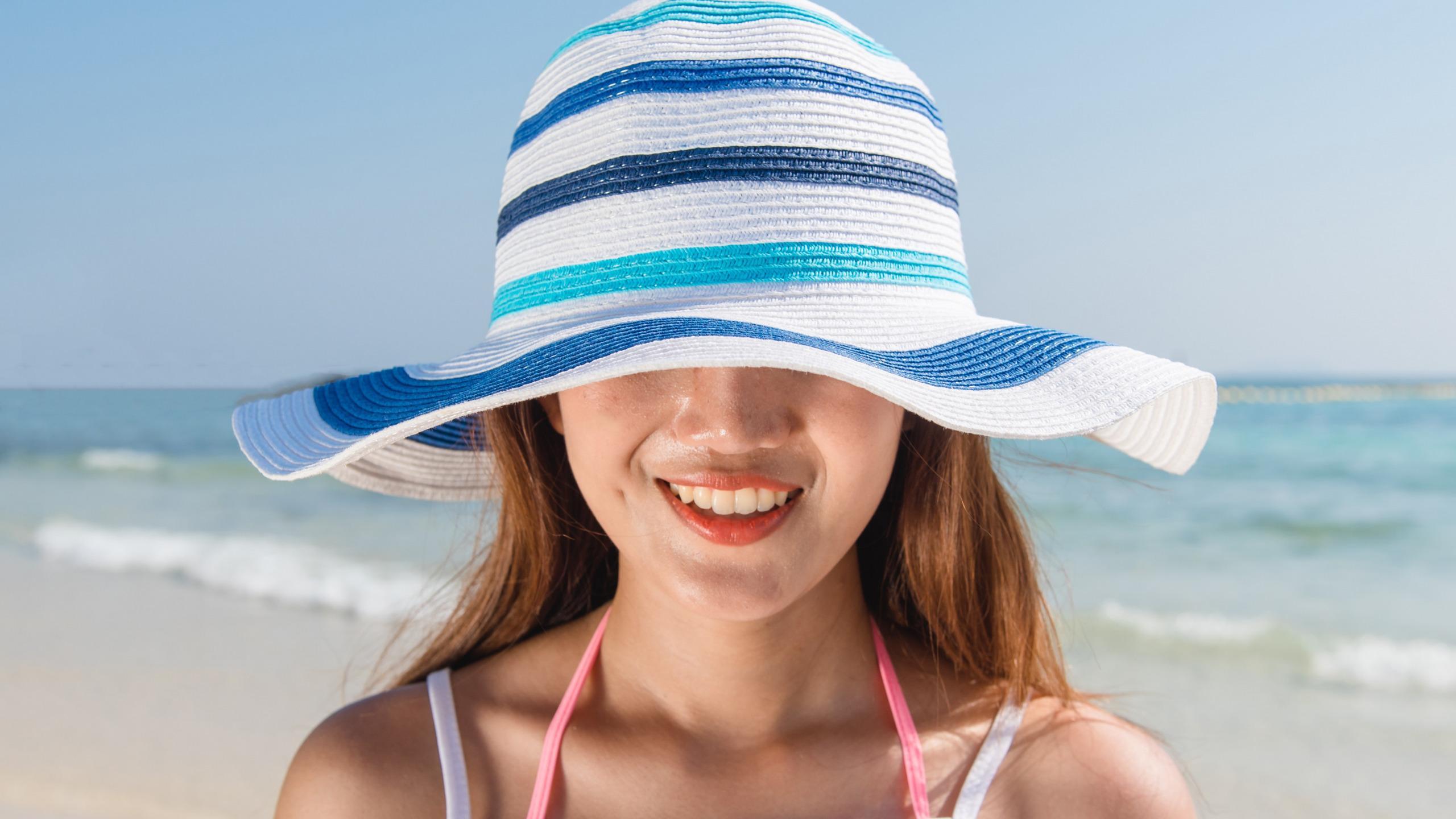 Надо ли защищать от солнца волосы и губы?