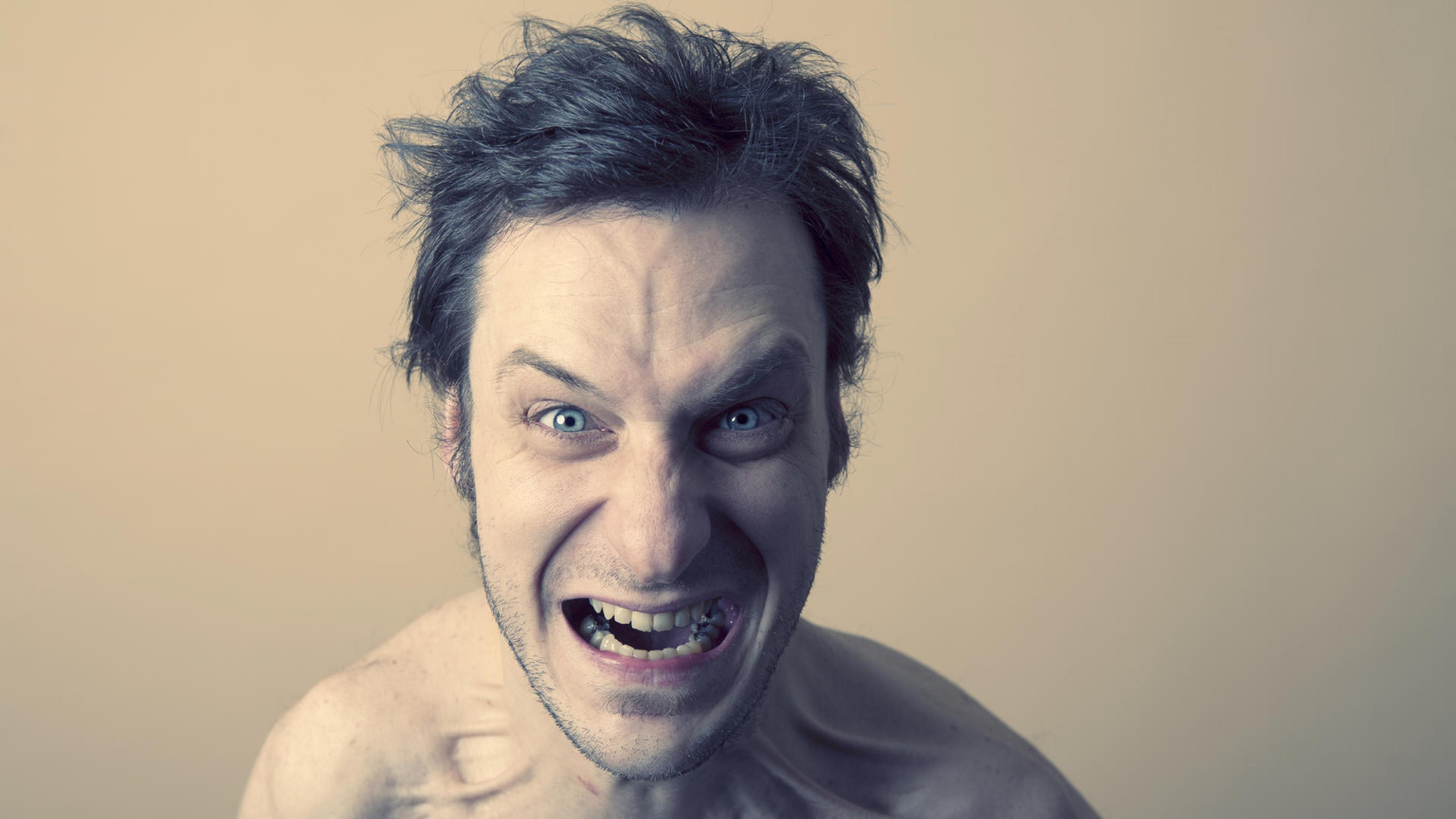 Психологи оценили число психопатов в обществе