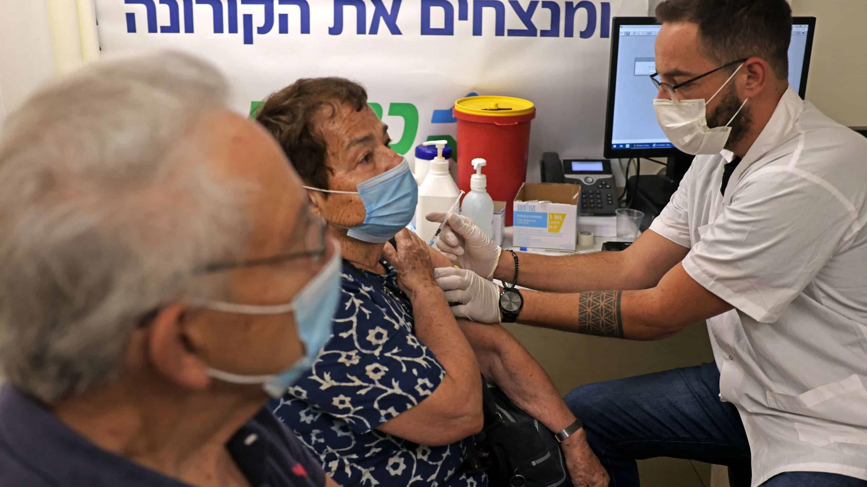 Нужна ли массовая ревакцинация, чтобы защититься от новых вспышек SARS-Cov-2?
