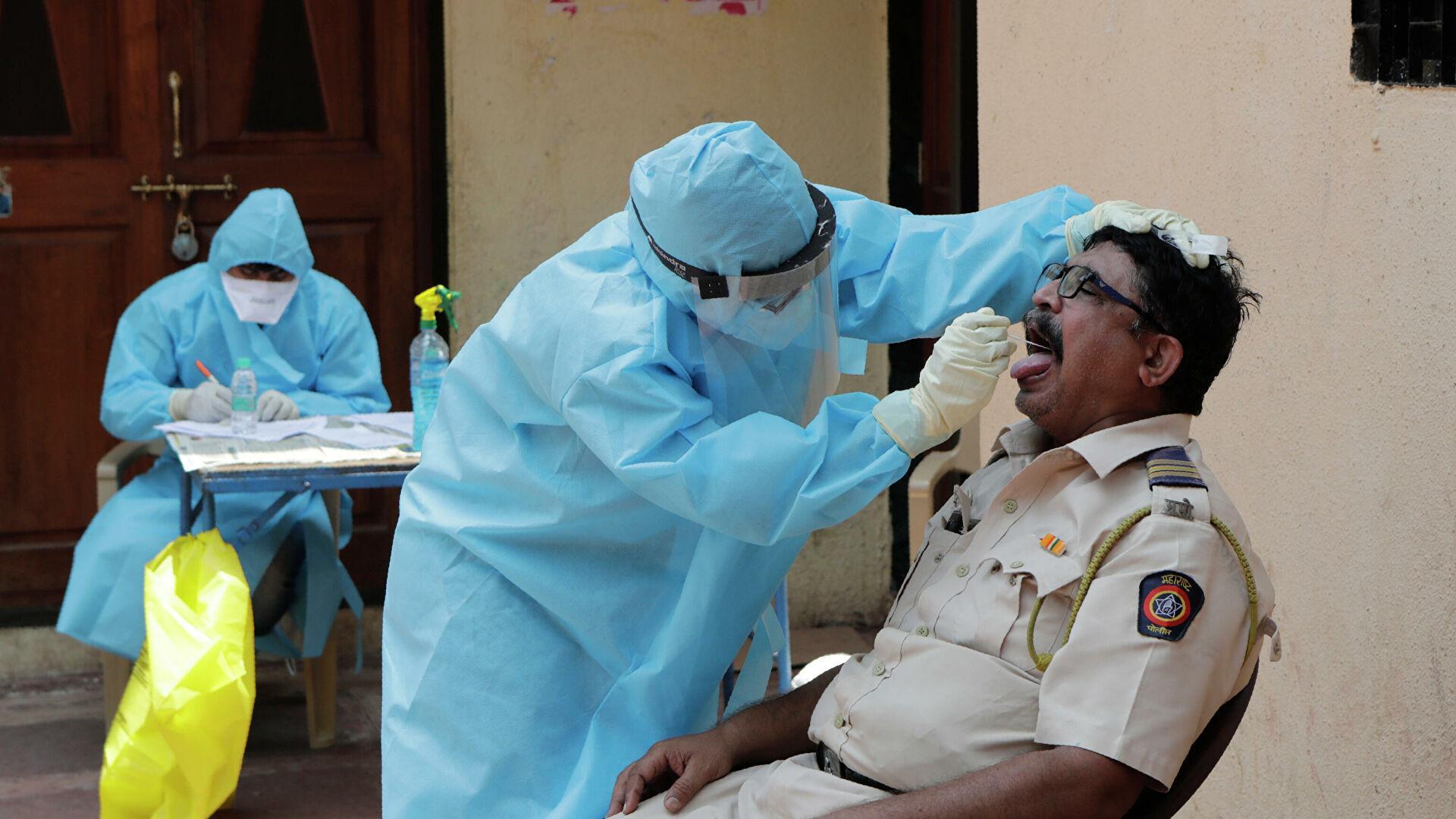 В Индии двое врачей трижды перенесли COVID-19