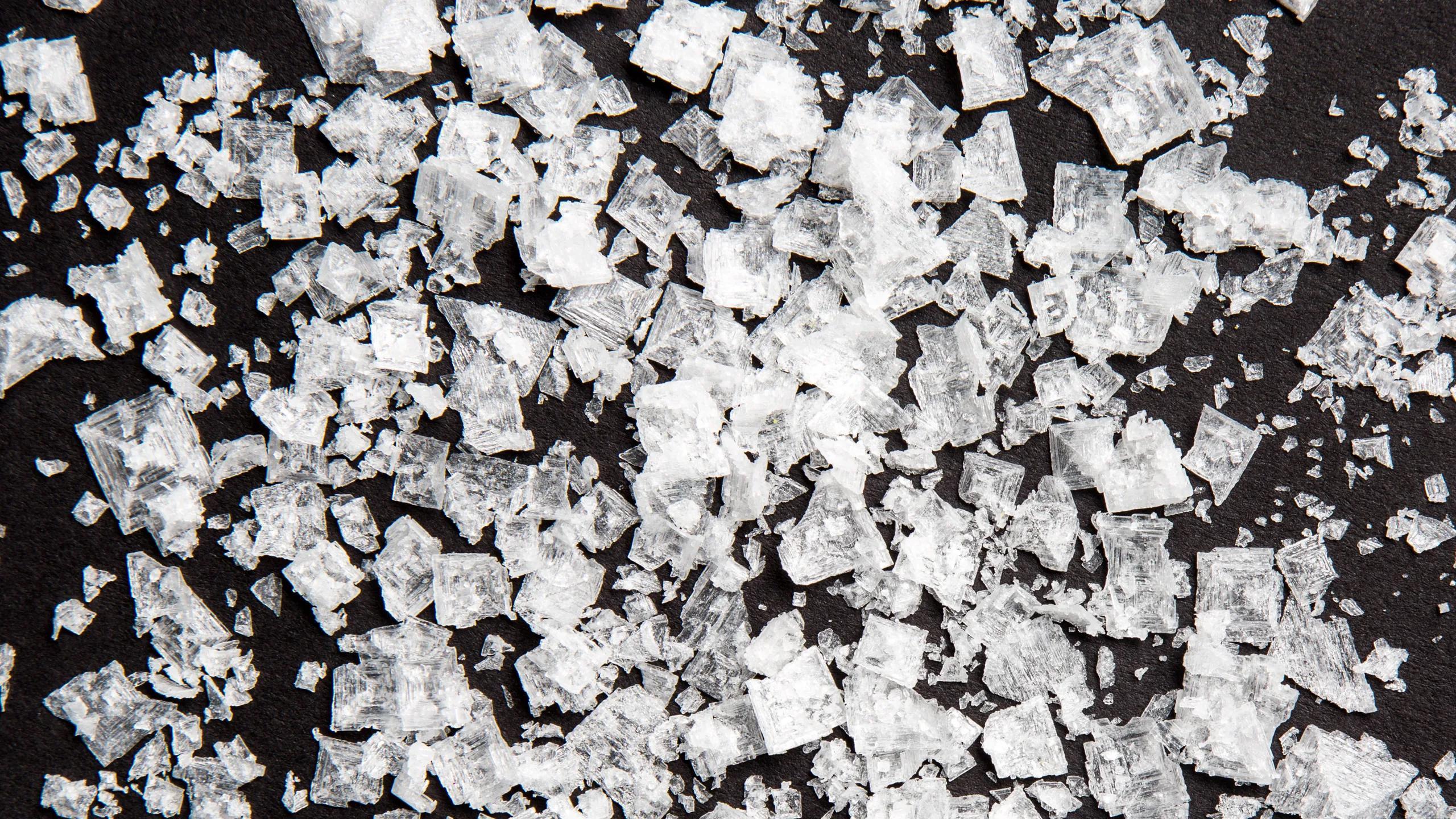 Испытания подтвердили вред соли и пользу солезаменителей