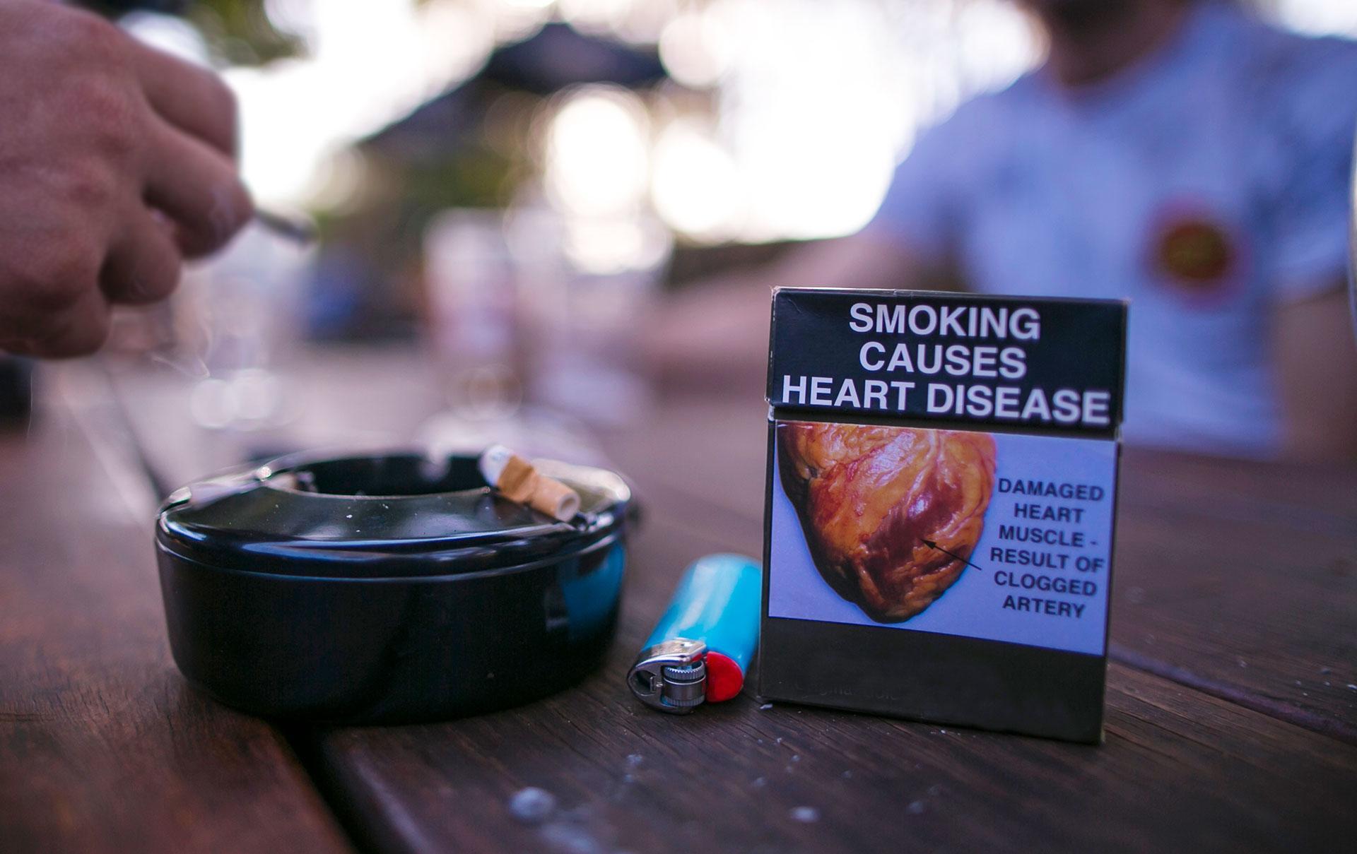 Предупредительные надписи на пачках сигарет признали практически бесполезными